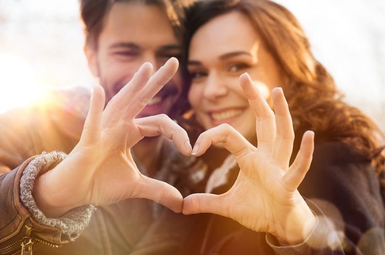 Eşiniz olabilecek kişiyle finansal konuları kolayca konuşmanın 4 adımı