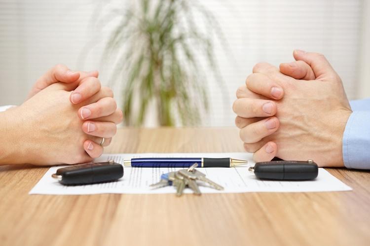 Boşanma sürecinde finansal konuları yönetme tiyoları