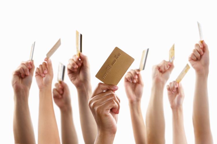 Her bankadan kredi kartı teklifi alıyorum, kaç tane kredi kartım olmalı?