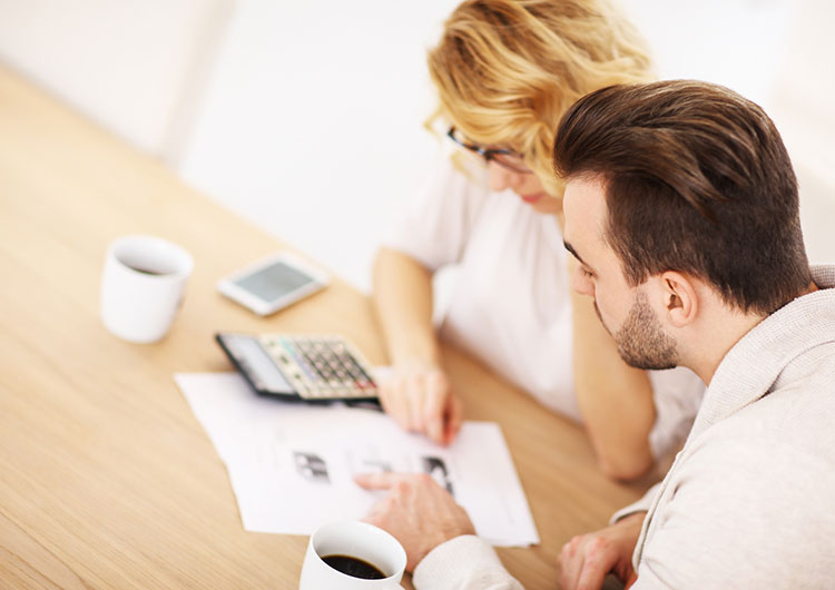 Eşinizin Kredi Notu Sizin Kredi Notunuzu Da Etkiler Mi?