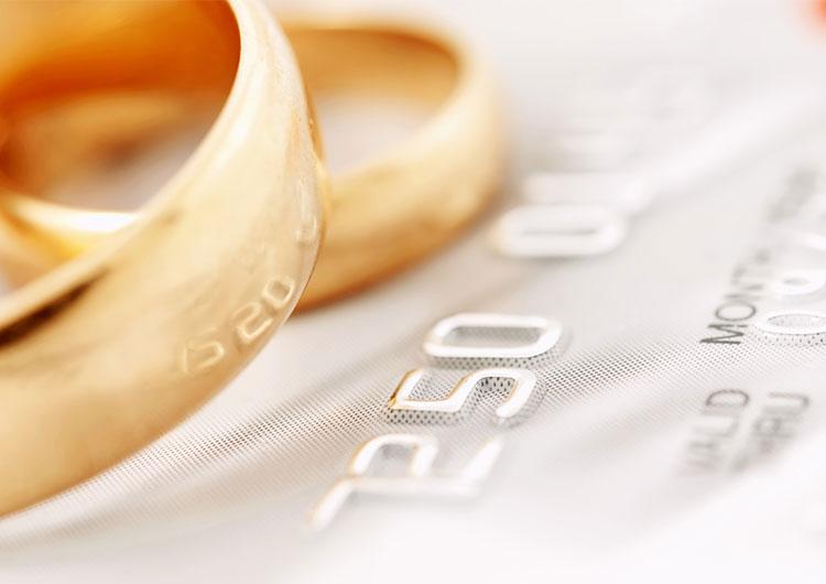 Evleniyor Musunuz? Eski Kredi Kartlarınızı Kapatmayın!