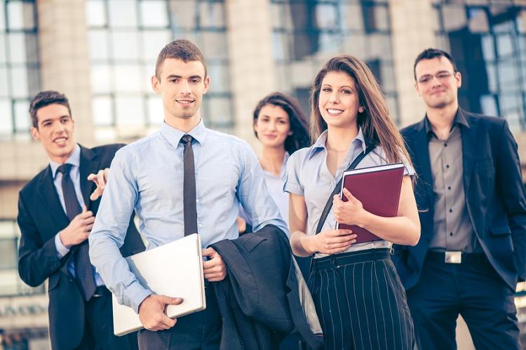 Genç çalışanların geçmesi gereken 5 finansal adım