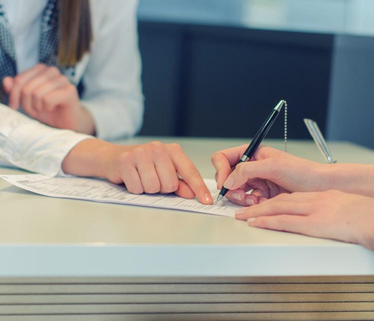 Kredi kartları için yıllık aidatı almak yasal mı?